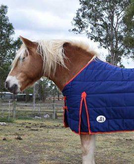 doona winter horse rug left side front jojubi saddlery