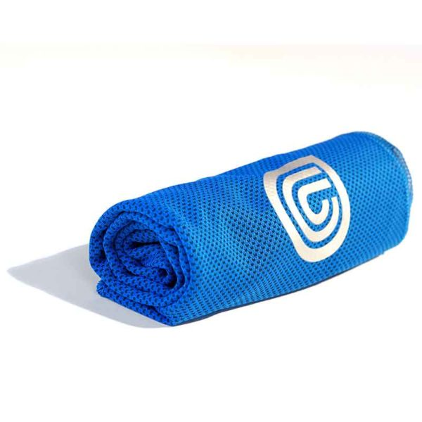 coolcore chill sports towel blue rolled up 800
